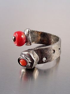 Coral Ring - Factory Belt Industrial style adjustable handmade ring with red coral Coral Ring, Handcrafted Jewelry, Handmade, Red Coral, Industrial Style, Cuff Bracelets, Silver Rings, Fashion Jewelry, Belt