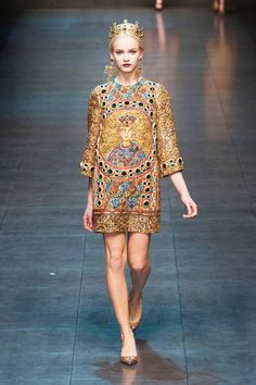 Crowns required at Dolce & Gabbana Fall 2013 runway #fashionweek