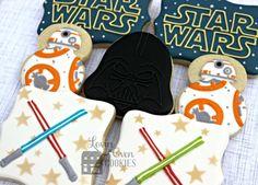 Star Wars Decorated Sugar Cookies - Darth Vader, Lightsaber, R2-D2 & Logo…