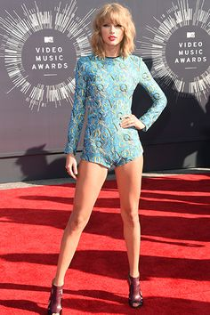 We love Taylor Swift, not sure about the look here... but if you got legs like…