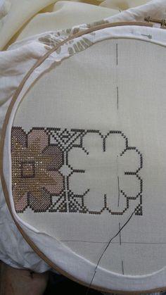 Cross Stitch Borders, Cross Stitch Patterns, Monks Cloth, Wool Embroidery, Blackwork, Diy And Crafts, Ornament, Cross Stitch Embroidery, Xmas