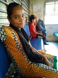 """When we think of commuters, we only think of those who travel in the locals, to and from work. We conveniently leave out the women who actually work IN the Mumbai Locals, the ones we only refer to as """"Aye sun, yeh kitne ka diya?"""". One such young woman is Shakuntala, and this is her story. http://ladiespecial.com/shakuntala/ Follow Us -  Instagram: https://www.instagram.com/ladies.special/  #LadiesSpecial #KahaanUtroge #MumbaiLocal #Dreams"""