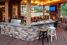 Love this bar area off the outdoor kitchen - view property - www.paradiserestored.com