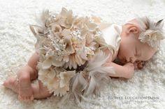 ママたちの間で流行っている「ニューボーンフォト」ご存知ですか? ~赤ちゃんを可愛く撮るためのグッズ~   フラワーエデュケーションジャパン