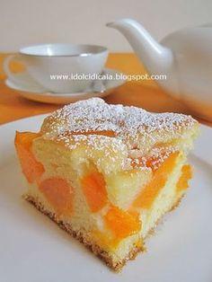 Torta soffice di albicocche