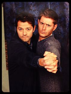 I'm totally having a fangasm day today and the theme is Destiel. Some lovely supernatural shots of Jensen and Misha that has my RPS ablazing! Castiel, Supernatural Jensen Ackles, Supernatural Series, Jensen And Misha, Supernatural Destiel, Supernatural Playlist, Supernatural Fanfiction, Misha Collins, Dean Winchester