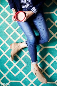 Go-to weekend uniform = cuffed jeans + ankle boots + made-to-layer tops. This comfy-casual formula is perfect for shopping, grabbing a bite to eat or lounging with friends.