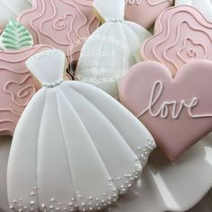 Find some good ideas for bridal shower cookies and wedding cookies to use for your wedding. Some good options for fall weddings, spring weddings and summer weddings! Elegant cookies as well as rustic Wedding Dress Cookies, Wedding Shower Cookies, Bridal Shower Cakes, Bridal Shower Decorations, Bridal Showers, Wedding Favors, Wedding Ceremony, Wedding Cakes, Iced Cookies