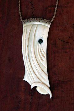 Gareth Barlow - Tangaroa Te Panga Bone Jewelry, Resin Jewelry, Jewellery, Maori Patterns, Nz Art, Maori Art, Carving Designs, Southwest Art, Bone Carving