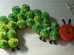Caterpillar Cupcake Cake~ By Coco Cake Land - Cakes Cupcakes Vancouver BC: The Hungry Caterpillar Cupcake Party Train! Hungry Caterpillar Cupcakes, Very Hungry Caterpillar, Caterpillar Book, Cupcake Original, Chenille Affamée, Cupcake Torte, First Birthday Cakes, Birthday Cupcakes, 2nd Birthday