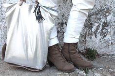 easy outfits :)  #outfit #fashionblog #fashionblogger #camo #salopette #dungaree #bags #silver #metallic #shoes #boots #veganshoes #necklace #parka #coat #white #natural #charms #cat