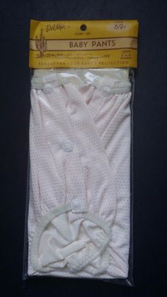 Del Mar Desert-Dry baby pants size large Pvc Hose, Used Cloth Diapers, Waterproof Pants, Plastic Babies, Cold Treatment, Running Belt, Plastic Pants, Funny Socks, Fitness Gifts