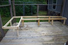 13 creative ways to build and repair a deck railing for awesome outdoor fun. Design the ultimate backyard hangout with DIY deck railing design ideas. Wood Deck Railing, Deck Railing Design, Railing Ideas, Outdoor Stools, Outdoor Fun, Outdoor Decor, Outdoor Ideas, Deck Posts, Outside Room
