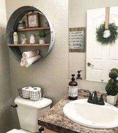 Adorable 60 Awesome Farmhouse Bathroom Makeover Ideas https://bellezaroom.com/2018/03/05/60-awesome-farmhouse-bathroom-makeover-ideas/