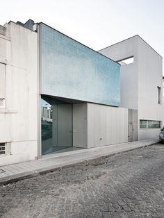 House Ricardo Pinto / CorreiaRagazzi arquitectos