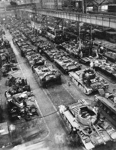 Valentine Tanks on th Assembly Line par Tyne & Wear Archives & Museums