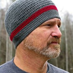 Crochet Beanie Patterns FREE Crochet Hat Patterns by ELK Studio - Does your hubby need a thin hat to wear while working out or maybe while riding a bike, motorcycle or Work or Play Beanie is perfect for him! Mens Crochet Beanie, Crochet Adult Hat, Crochet Beanie Pattern, Crochet Patterns, Crochet Man Hat, Picot Crochet, Free Crochet, Ravelry Crochet, Crochet Baby