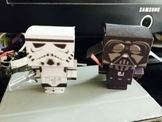 Nos 10 idées de jeux pour un anniversaire Star Wars réussit ! Theme Animation, Anniversaire Star Wars, Free Printables, Usb Flash Drive, Stars, Games, Organiser, Star Wars Party, Theme Ideas