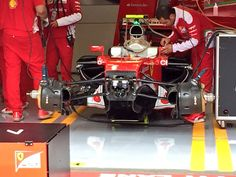 Ferrari SF16-H con i phon nella parte alta dei gruppi freno anteriori