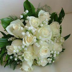 Bouquet Inspiration by Bouquet TT Flower Bouquet Diy, White Rose Bouquet, Bridal Bouquet Fall, Bridal Flowers, Bridesmaid Bouquet, Wedding Bouquets, Beautiful Rose Flowers, Beautiful Flower Arrangements, Wedding Flower Arrangements
