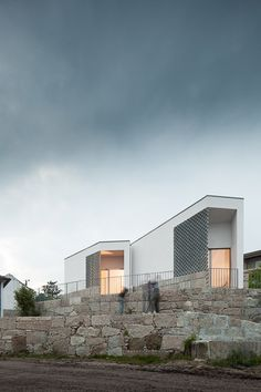 """""""Peaceful and neutral"""" mortuary completed by Raul Sousa Cardoso and Graça Vaz"""