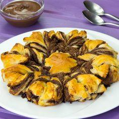 Totul a început cu un pahar. Privește ce a făcut cu acesta! - savuros.info Ratatouille, Nutella, Food And Drink, Ethnic Recipes