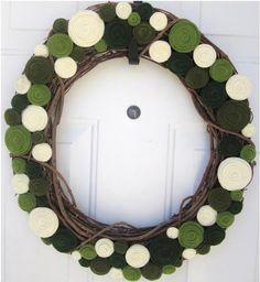 st patrick yarn ball wreath