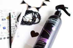 Mariia в Instagram: «TRESemmé Heat Defence Styling Spray ⠀ Hi🌸👋🏻 ⠀ I would like to share with you my favorite heat protecting spray for hair from @tresemme . I…» You And I, Hair Care, Water Bottle, My Favorite Things, Instagram, You And Me, Hair Care Tips, Water Bottles, Hair Makeup