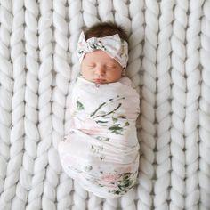 Cute Newborn Baby Girl, Newborn Baby Photos, Baby Girl Photos, Cute Baby Pictures, Newborn Pictures, Newborn Babies, Newborn Baby Clothes, Pictures Of Babies, Newborns