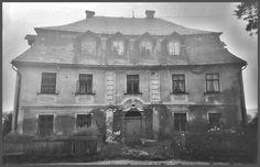 Jeden z nejstarších domů ve Mšeně. Stál vedle Jelena.