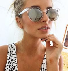 clear and mirrored sunglasses look so great and are a perfect spring/summer add-on to your outfit. Source: QUAY AUSTRALIA