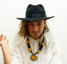 I look di Damiano e dei Maneskin - Maxi collier per Damiano