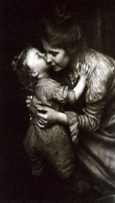 Dia da Mãe // Frances S. and Mary E. Allen -- Eleanor B. Stebbins with Marion, Antique Photos, Vintage Pictures, Vintage Photographs, Old Pictures, Vintage Images, Old Photos, Old Photography, Grain Of Sand, Pics Art
