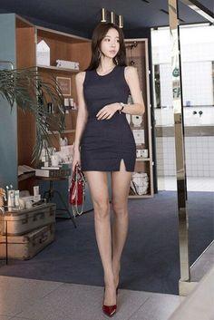 Beautiful Asian Women, Beautiful Legs, Colorful Fashion, Asian Fashion, Fashion Models, Girl Fashion, Sexy Outfits, Fashion Outfits, Cute Asian Girls