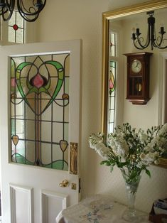 Stained glass door with a heart. Stained Glass Door, Custom Stained Glass, Stained Glass Designs, Stained Glass Panels, Stained Glass Projects, Stained Glass Patterns, Leaded Glass, Mosaic Glass, Art Nouveau