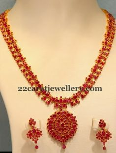 Ruby kempu long chain with earrings - Latest Jewellery Designs Ruby Necklace Designs, Gold Ruby Necklace, Ruby Jewelry, Pendant Jewelry, Gold Pendant, Jewelry Necklaces, Baby Necklace, Small Necklace, Short Necklace