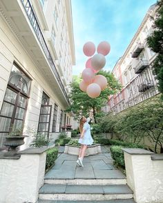 The girl with the balloons Jumbo Balloons, The Balloon, Sidewalk, Side Walkway, Walkway, Walkways, Pavement