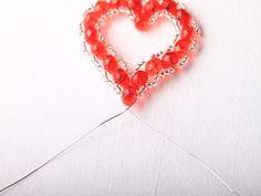 Návod na valentýnské srdce z korálků - 27