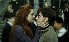 Harry and Ginny Harry Potter Ginny Weasley, Harry And Ginny, Harry Potter Actors, Harry Potter Images, Harry Potter Fandom, Harry Potter World, Ron Weasley, Dr Who, Bonnie Wright