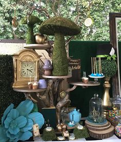 Inspired Alice in Wonderland Dessert Table. Amazing Collaboration with @caligirlscoutureconfections @platinumrentalprops and @lunascakess