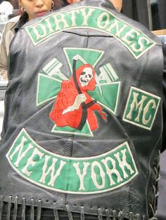Outlaws Motorcycle Club, Motorcycle Logo, Motorcycle Clubs, Chevy Impala, Bike Gang, Biker Clubs, Biker Quotes, Biker Patches, Color Club