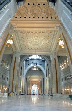 New extension part of the Masjid-Al-Haram Makkah. Islamic Images, Islamic Pictures, Islamic Art, Mecca Madinah, Mecca Masjid, Islamic Architecture, Beautiful Architecture, Beautiful Mosques, Beautiful Places