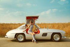 La Mercedes 300SL è una delle vetture più spettacolari di tutti i tempi e così ci piace. Sophia Loren