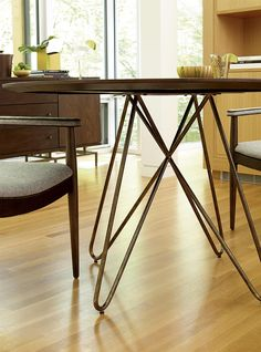 Silver Lake Round Dining Table with Hairpin Leg Pedestal by A.R.T. ...