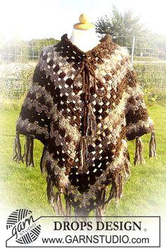 "Ravelry: Crochet poncho in ""Eskimo"" pattern by DROPS design Poncho Au Crochet, Fingerless Gloves Crochet Pattern, Crochet Poncho Patterns, Crochet Jacket, Shawl Patterns, Knitting Patterns Free, Free Pattern, Knit Crochet, Crochet Granny"