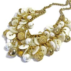 Chunky Pearl Necklace, Upcycled Jewelry, vintage Mother of Pearl Buttons