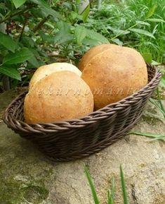 Pšeničné kváskové bulky se sezamem How To Make Bread, Starters, Sweet Potato, Hamburger, Food And Drink, Potatoes, Vegetables, How To Bake Bread, Potato