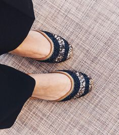 Punjabi Jutti Order now by Collection Bride Shoes, Wedding Shoes, Wedding Dresses, Stylo Shoes, Indian Shoes, Stylish Sandals, Indian Designer Wear, Shoe Brands, Patiala
