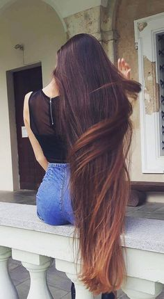 Very long hair and brings attention Beautiful Long Hair, Gorgeous Hair, Amazing Hair, Really Long Hair, Rapunzel Hair, Natural Hair Styles, Long Hair Styles, Long Brown Hair, Silky Hair