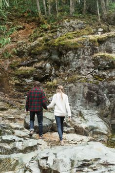Enchanting Oregon Wilderness Engagement Session - Have you ever kissed in the rain? It's a magical, magical thing. Case in point: this rainy romance set in an undeniably enchanting scene that is the Pacific Northwest wilderness.